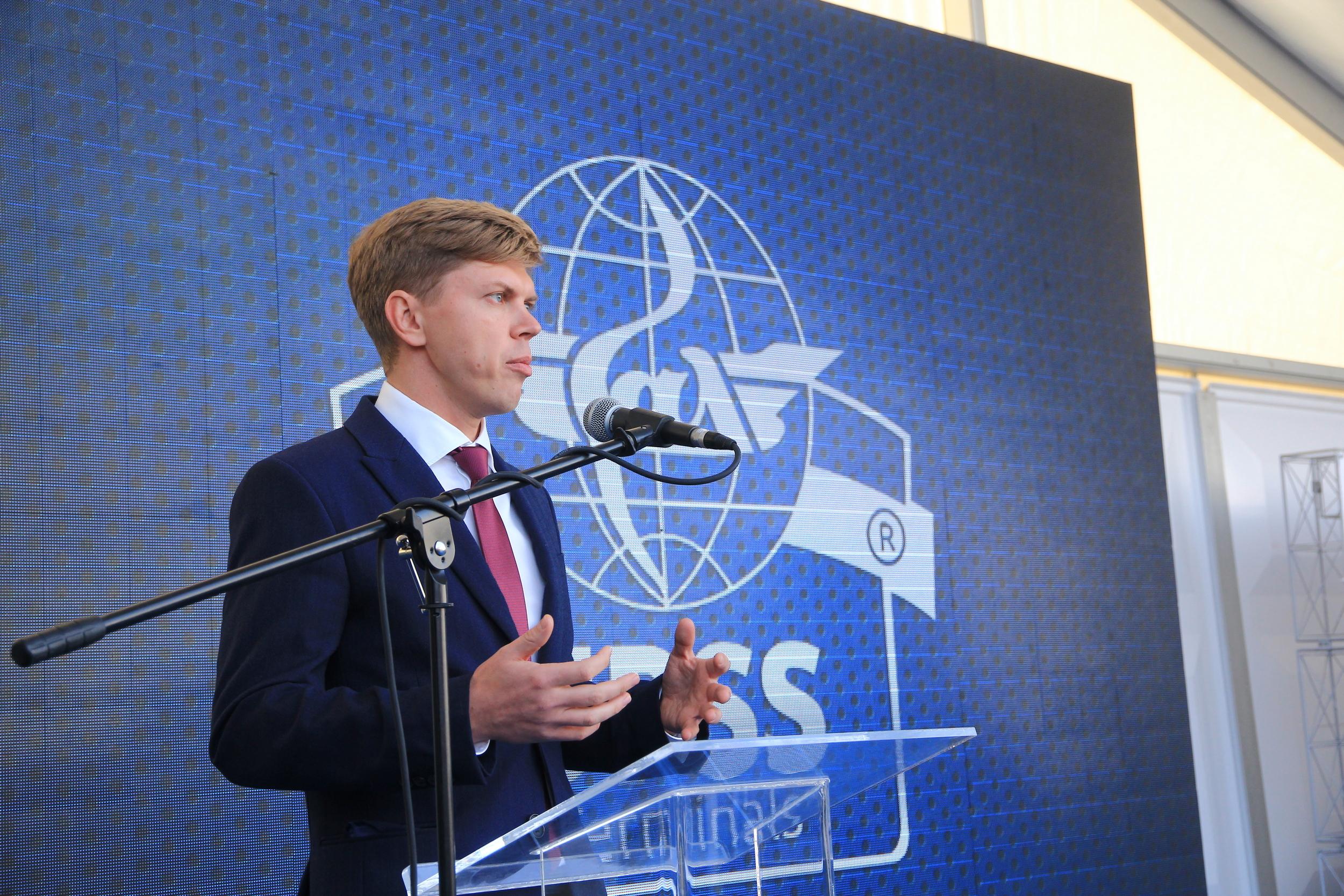 Представитель компании UPSS на открытии терминалов в Николаеве