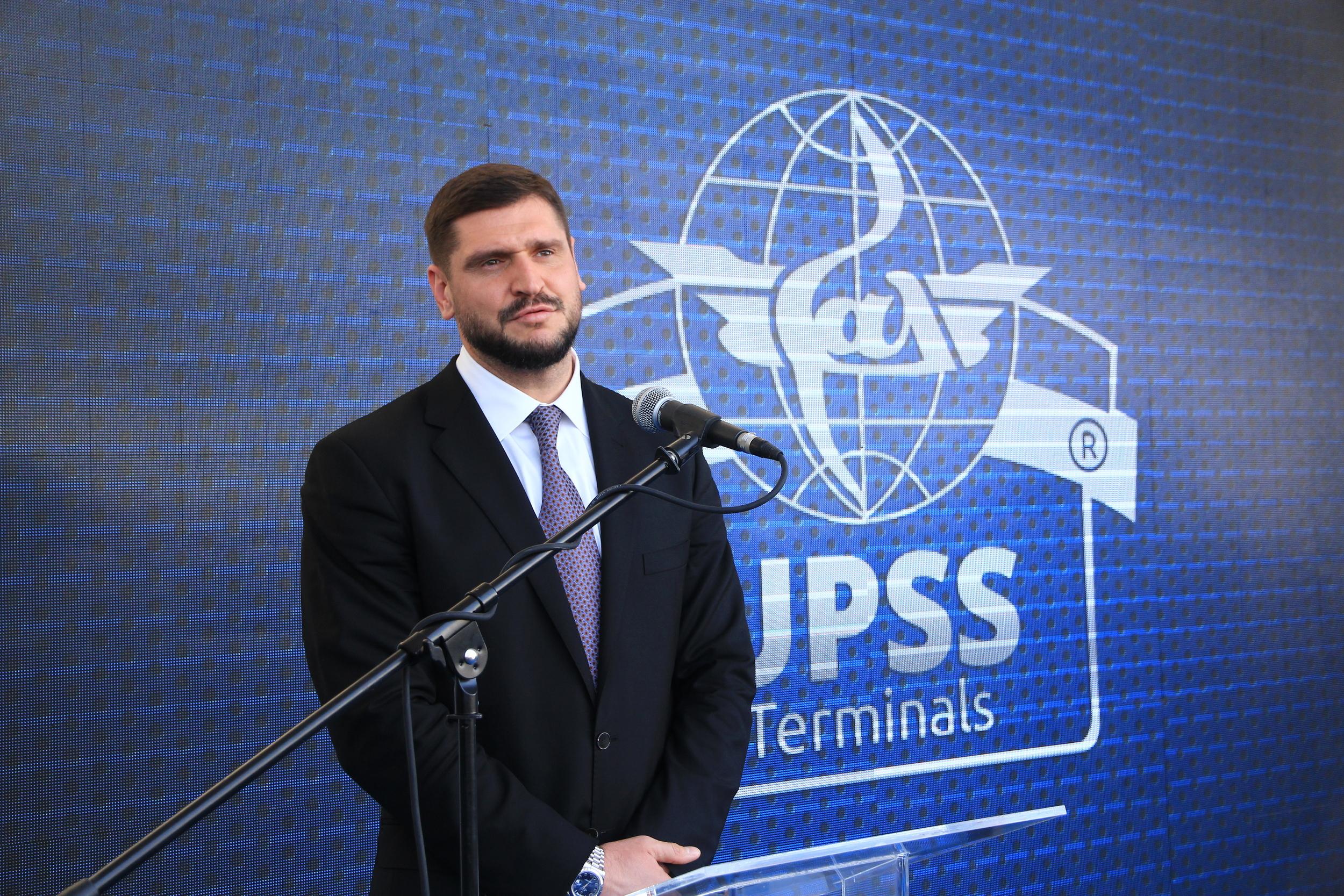 Представитель компании UPSS на официальном выступлении открытия в Николаеве