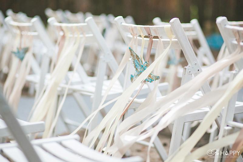 Оформление мест рассадки гостей декоративными фигурками птиц