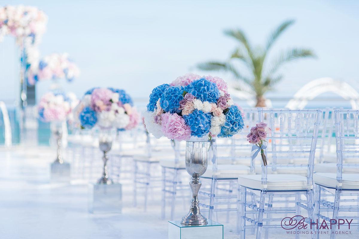 Декоративное украшение мест для гостей выездная свадебная церемония