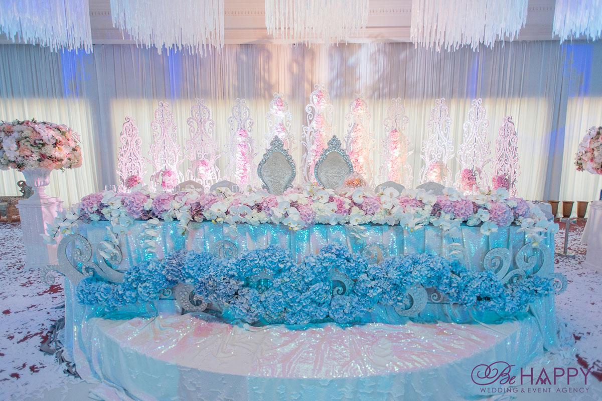 Шикарная свадьба под ключ стол жениха и невесты
