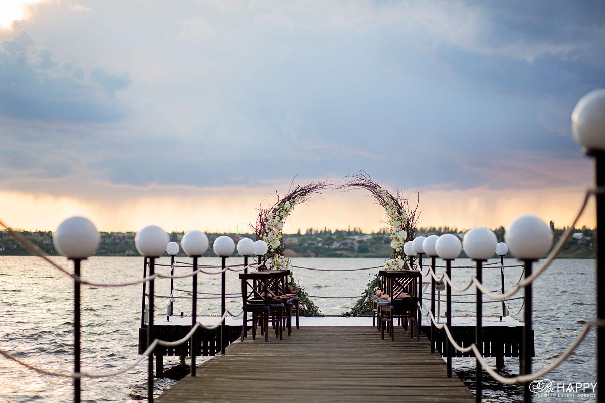 Место проведения свадебной выездной церемонии на реке Николаев