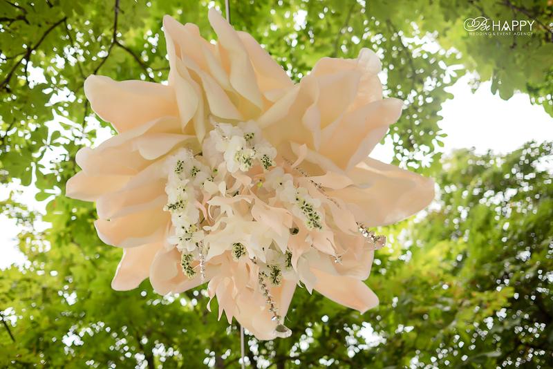 Свадьба на природе белая акация и декоративные цветы Николаев