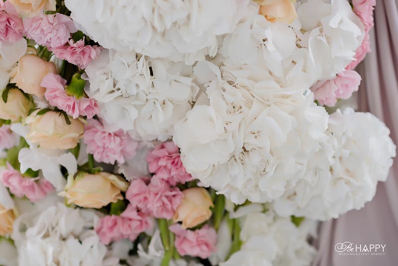 Свадебная флористика гортензии и розы бихеппи Николаев