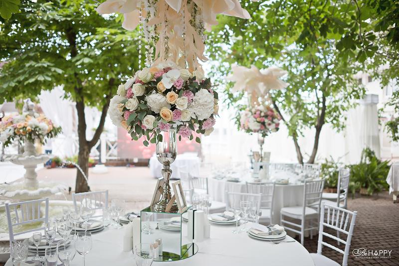 Выездная свадебная церемония декоративное оформление цветами Би Хеппи