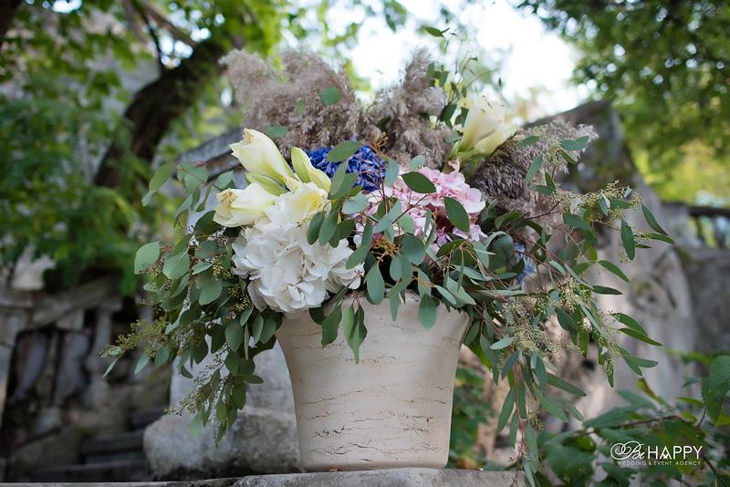 Глиняный горшок с живыми цветами свадебный декор Николаев