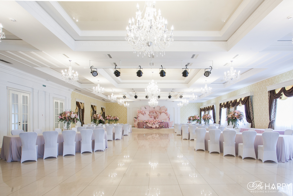 Декоративное оформление банкетного зала Би Хеппи Николаев
