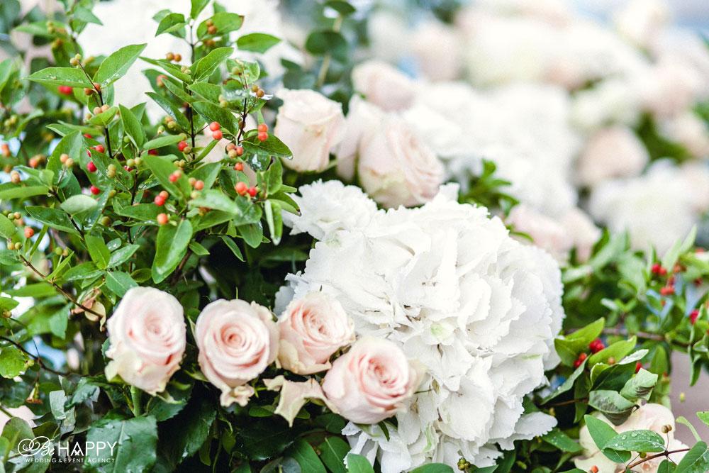 Свадебная флористика розовые розы и гортензии фото