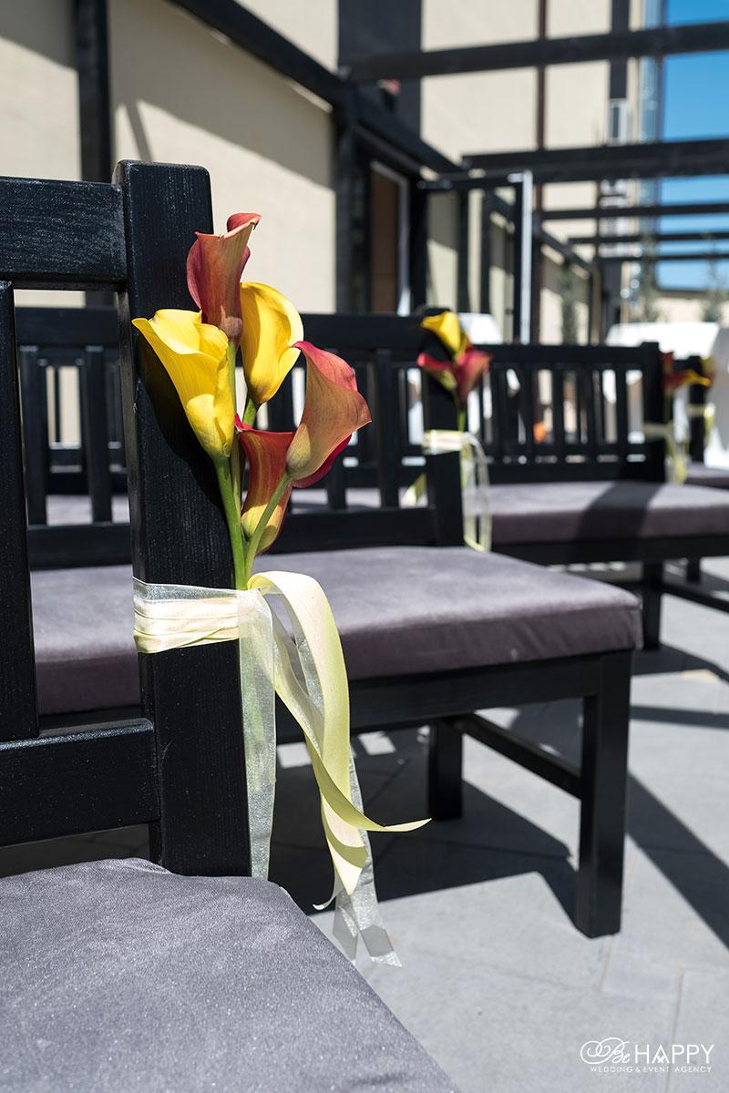 Места для гостей цветочное оформление Би Хеппи