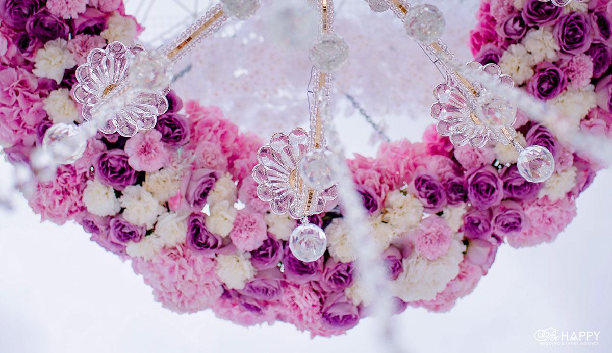 Декоративное оформление свадебного интерьера живыми цветами бихеппи Николаев