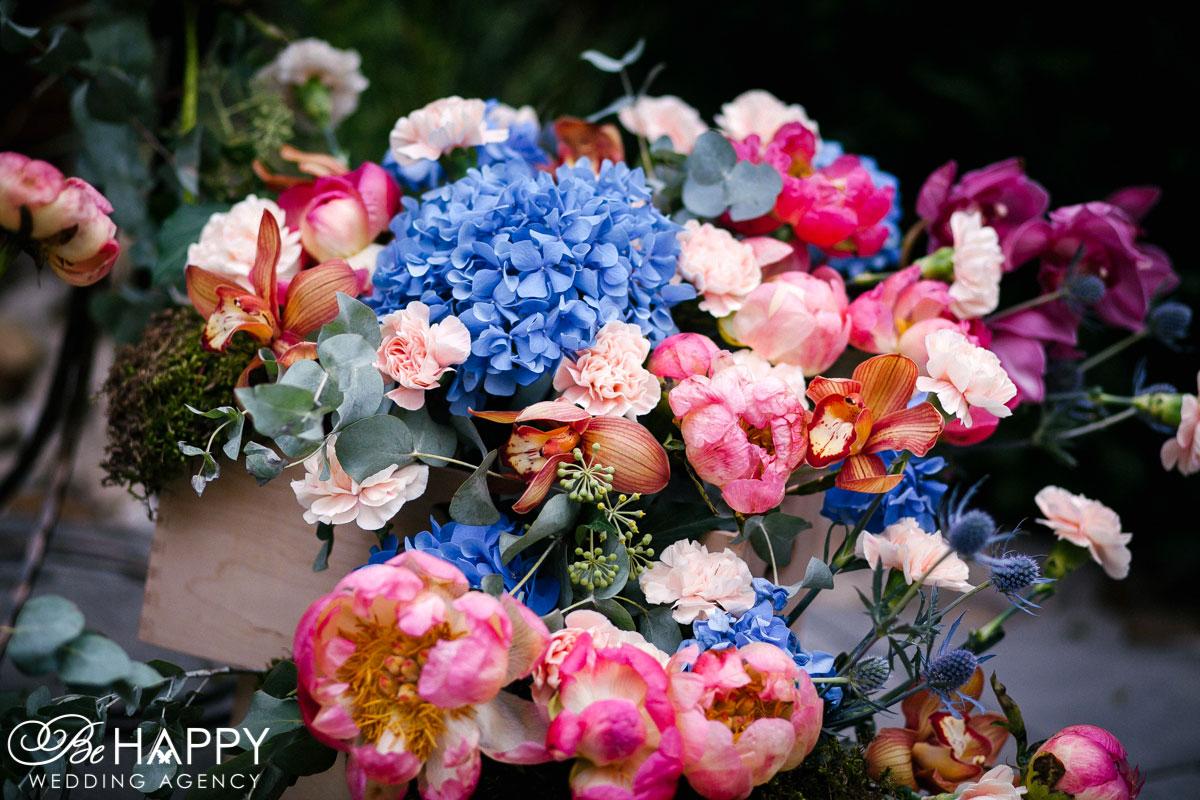 Свадебная цветочная композиция декор Бихеппи Николаев