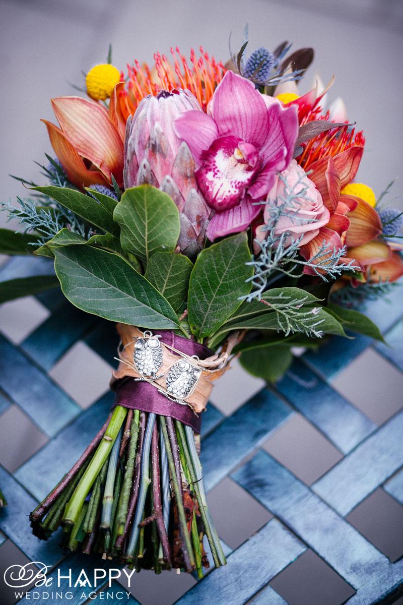 Яркий свадебный букет с амариллисом и орхидеями Николаев