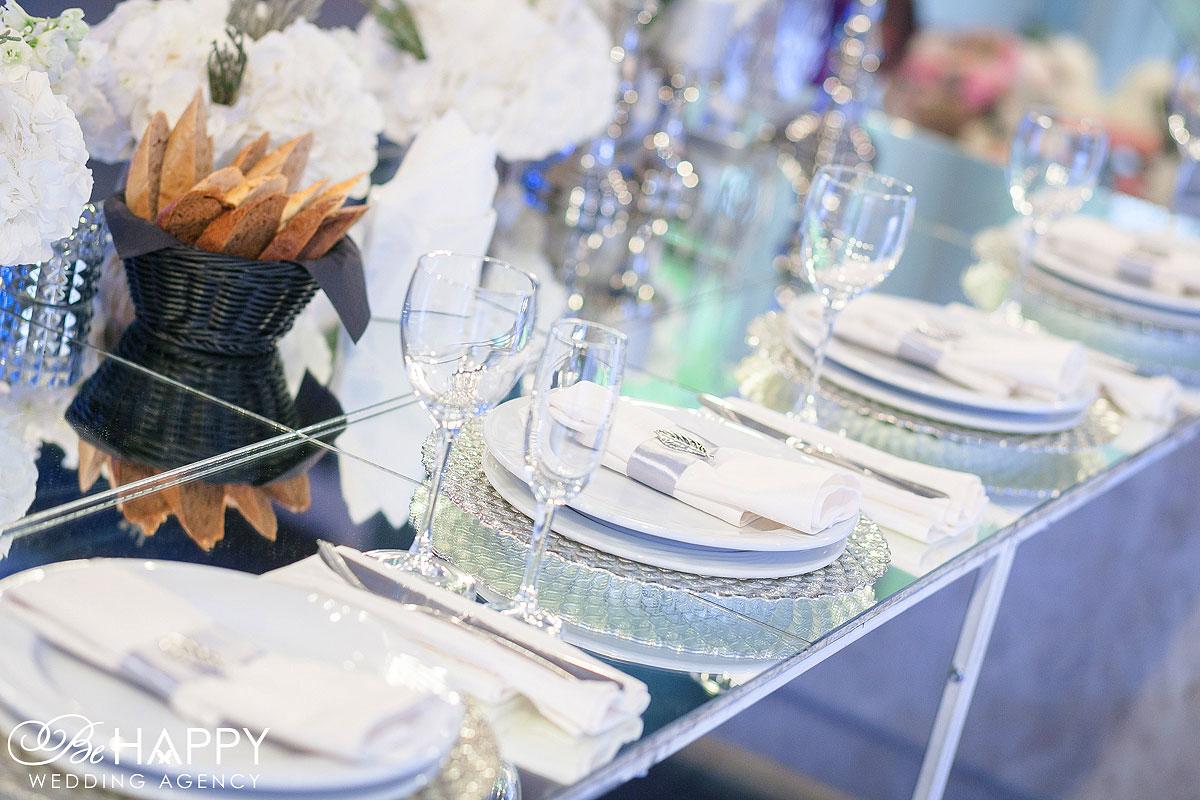 Свадебная церемония сервировка банкетного стола Be happy wedding
