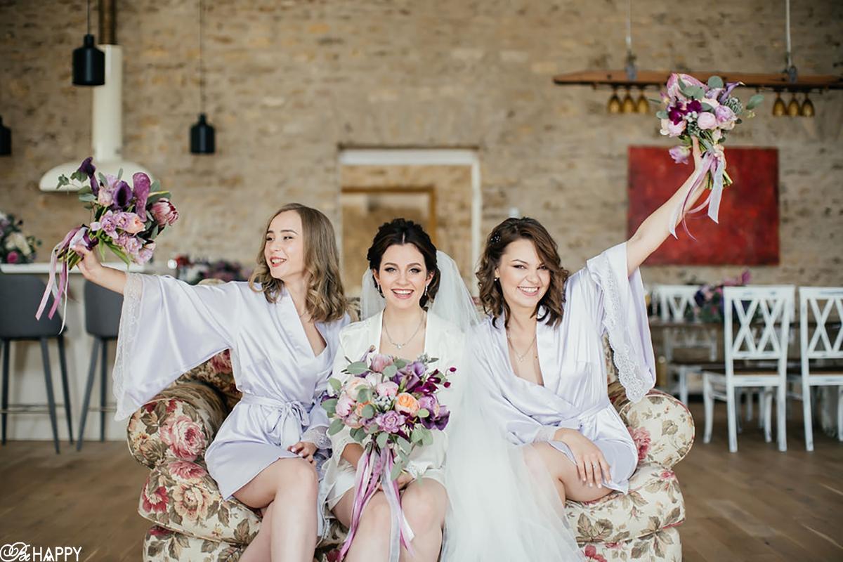 Фото невеста и подружек невесты в халатах свадебная фотосессия сборы