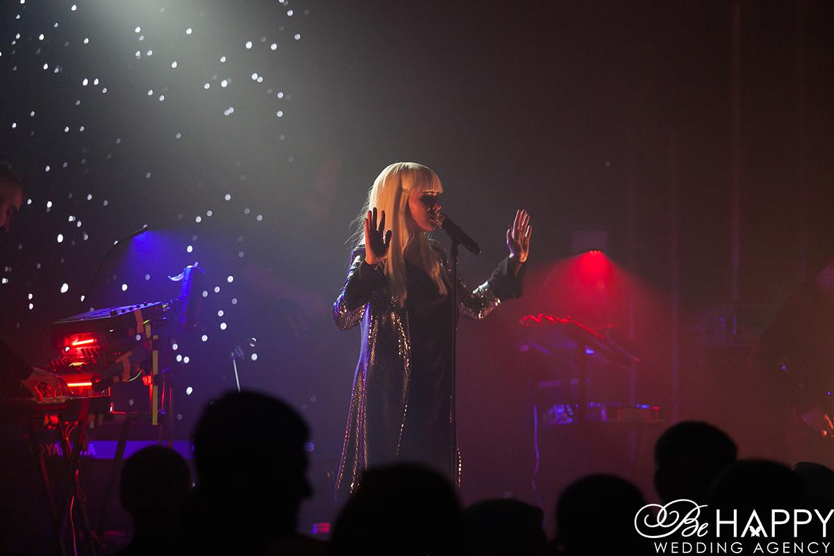 Фото Юлии Саниной на сцене