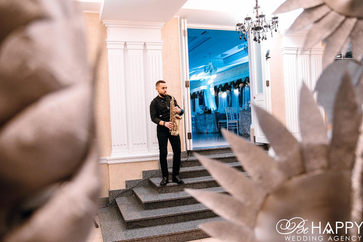 Фото саксофониста корпоративное мероприятие Прометей